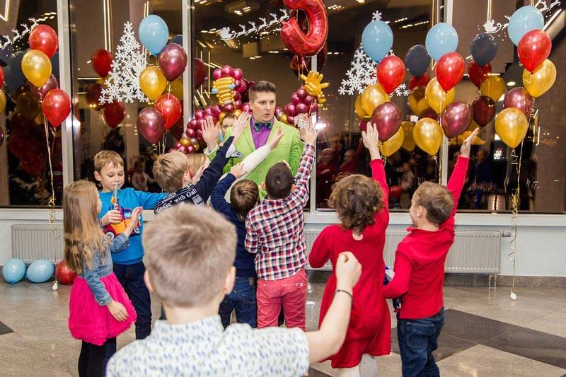 Детский праздник или мероприятие для детей в кафе Ламантин. Аниматоры. Детское меню. Санкт-Петербург