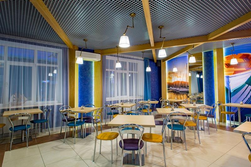 Кафе Ламантин в БЦ Феникс. Выбор блюд. Домашняя кухня. Санкт-Петребург.