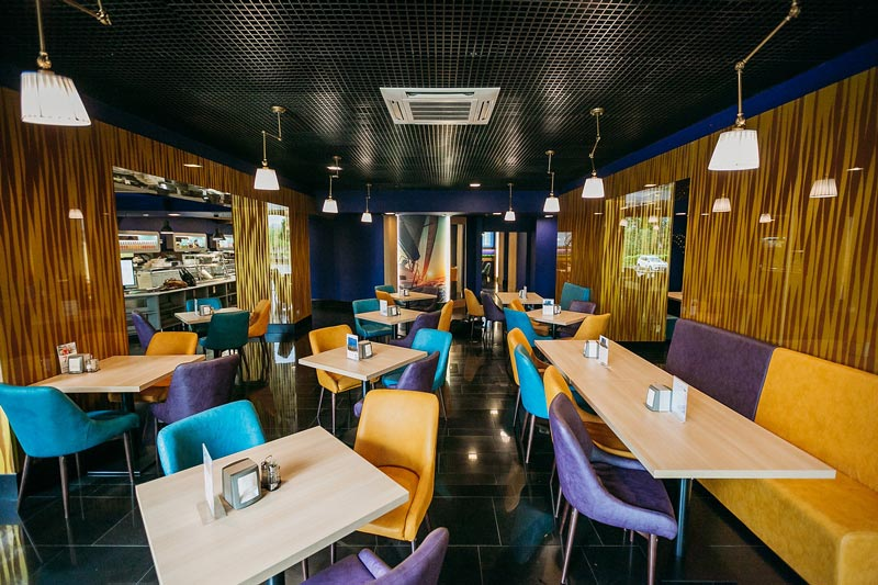 Кафе Ламантин в БЦ Обуховъ. Выбор блюд. Домашняя кухня. Санкт-Петербург.